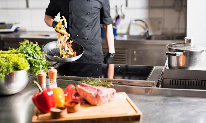 Marzysz o własnej restauracji? Sprawdź, w co musisz zainwestować